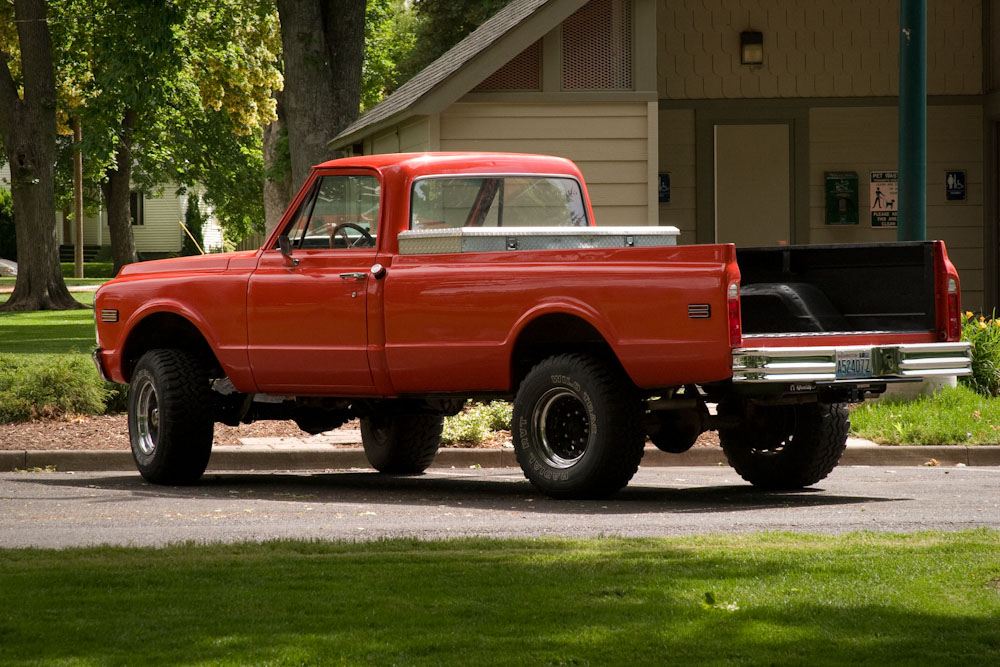 Restored 1972 Chevy 4x4 3/4 Ton, Painted 1969 Camaro\'s \